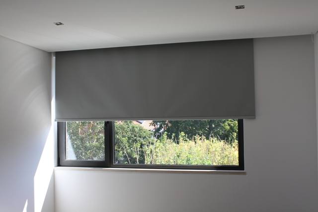 Estores brisas solares caiximondego for Tipos de cortinas y estores